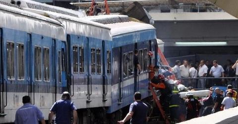 Varios muertos deja choque de trenes en Argentina